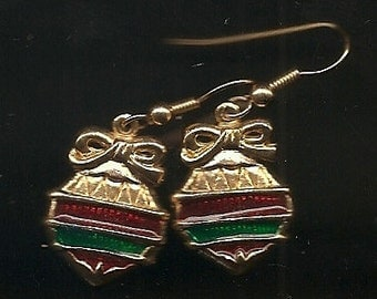 Old VINTAGE EARRINGS PIERCED