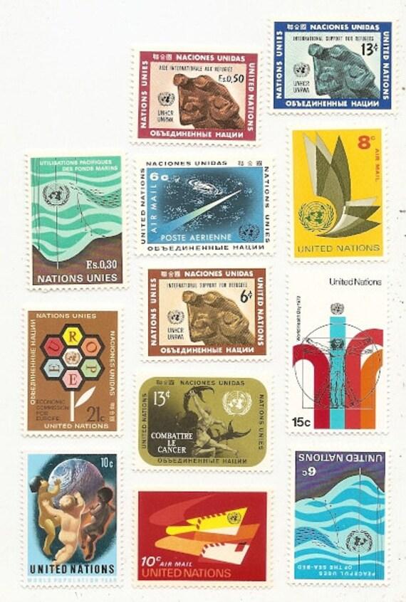 60 Vintage Unused UNITED NATIONS STAMPS