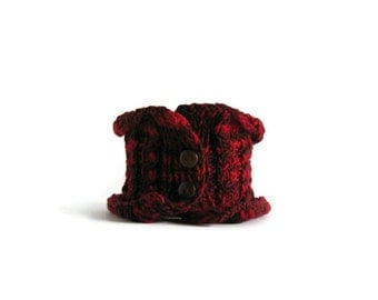 Red Cowl, Hand Knit Cowl, Wool Cowl, Chunky Cowl, Winter Scarf, Womens Cowl, Cowl Scarf, Buttoned Cowl, Warm Scarf, Variegated Red Wool