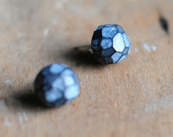 Fragment post earrings in Coal