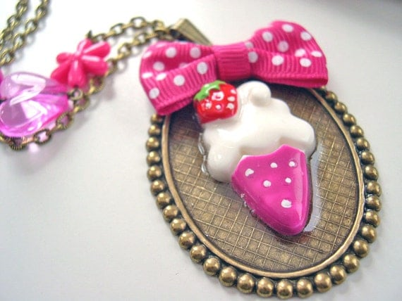 Ice cream cone with bow Kawaii Necklace pink Gothic Lolita choker