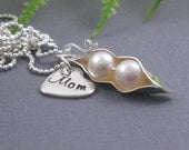 Mommy necklace, pea pod necklace, 2 peas in a pod, personalized gift, genuine pearl, gift for mom, baby shower gift, mom of twins, MP04