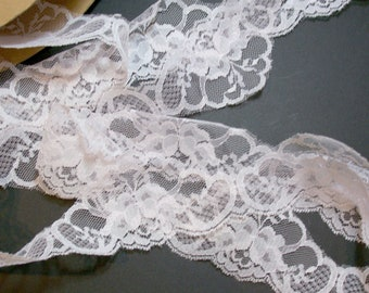 Pink Lace, Pale Baby Pink Pointed Lace 2 3/8 inches wide x 3 yards