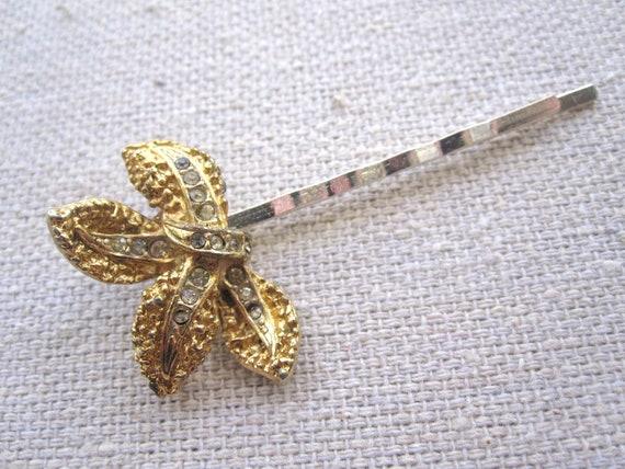 Vintage gold and rhinestone leaf bobby pin TWIST