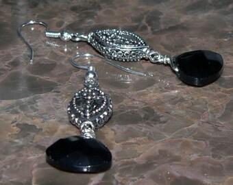Black Cross Glass Earrings Marquise Metal Bead Silver Dangle Drop Earrings Chandelier Wedding Charm Earrings Boho Fashion Beaded Earrings