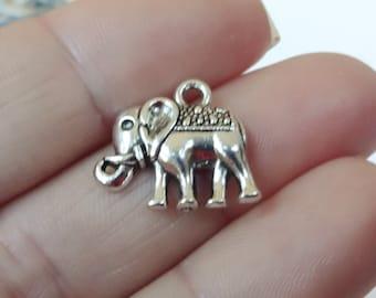 10 Elephant Charms 17x13x3mm ITEM:AD4