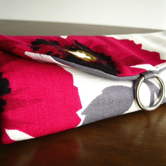 LAST ONE this fabric - Travel Jewelry Roll Organizer Clutch - Dark Pink Poppies