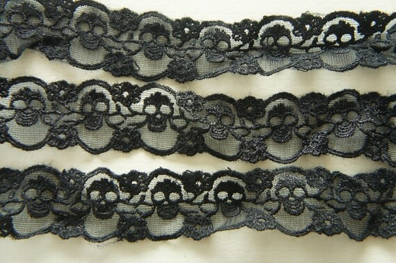 2 Yards Skull Lace Trim (30mm wide) Black (((LAST)))