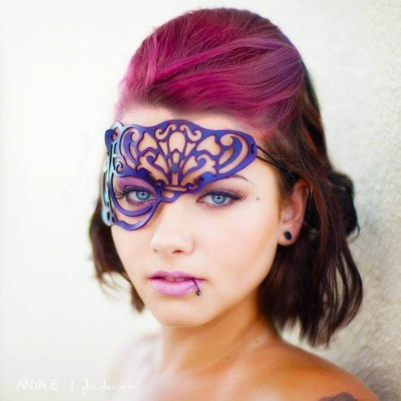 SALE!! Vixen half mask in purple leather steampunk buy now online