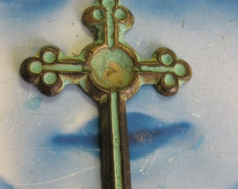 Verdigris Patina Brass Cross Pendants 2136VER x1