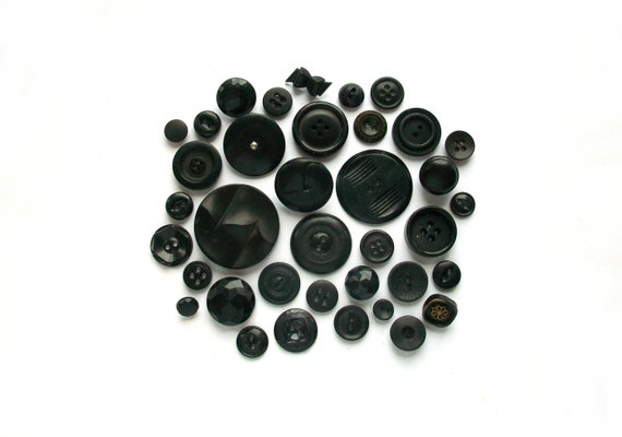 Mascara Black Vintage Buttons