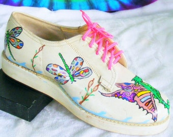 size 5-5.5 vintage white leather hand painted draggonfly OOAK lace-up oxfords shoes