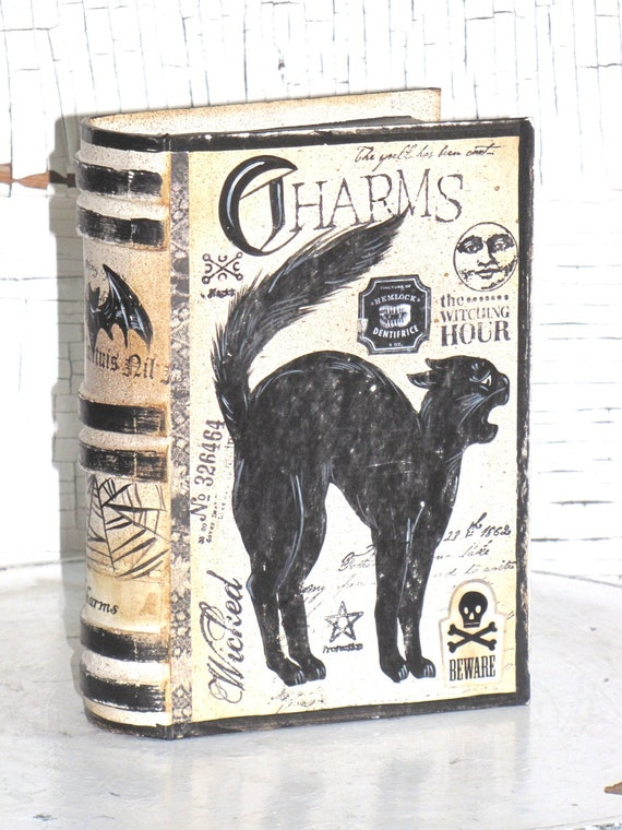 SMALL Vintage Paper Mache Halloween Witch's Book of CHARMS Box hand Painted (CAT)