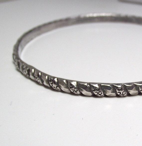 Sterling Silver Vintage Bangle with Carved Texture Design