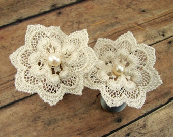 Floral bridal hairpin set of vintage lace motifs with freshwater pearls