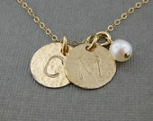 Hand stamped GOLD Filled Initial Jewelry / Personalized necklace with a pearl (NI008)