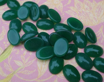 6 Vintage 14x10mm Green Chrysoprase Flat Back Oval Glass Cabs or Gems