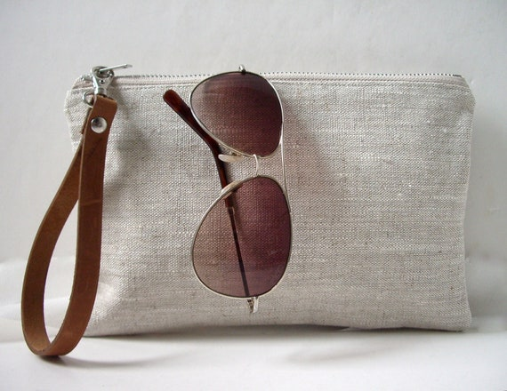 Wristlet, Simple Clutch Bag, Linen Clutch, Neutral, Oatmeal Linen and Leather for Women, Simple Purse, Handbag.