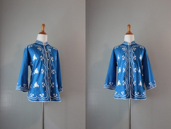 Vintage Blouse / 1970s Embroidered Blouse / Blue Mandarin Shirt