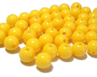 8mm Smooth Round Acrylic Beads in Yellow 50 beads