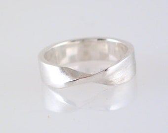 Sterling Silver Wide Mobius Ring