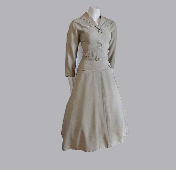 50s dress / The Ranch Queen Vintage 1950s Top Stitched Yoked Dress