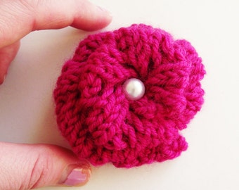 SALE - rose brooch knitted flower brooch pink