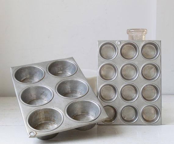 SALE vintage 1950s muffin pans. Set of 2. Wearever full 6, junior 12. Great for cupcakes. Mid century kitchen / the RUBY'S BERRY Muffin tins