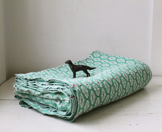 vintage 1950s Bates bedspread, twin/full. Woven cotton. Green white. Mid century cottage / back to school / the OVER EASY blanket