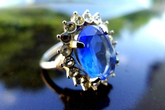 Vintage Blue Ring Rhinestone ala Princess Diana's Engagement Ring Signed Avon Adjustable Size 7-1/2 7.5 to 8-1/2 8.5