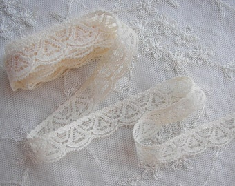New STRETCH 3 yds CREAM IVORY Lace Lingerie Headband Camisole Clothing Altered Couture Designs