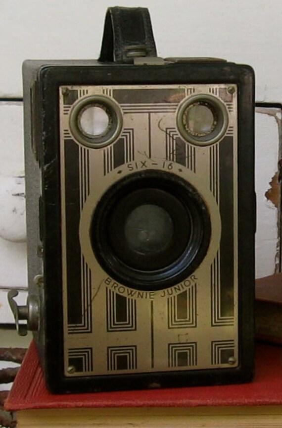 Vintage Antique Kodak Brownie Junior Box Camera