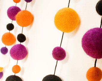 Halloween Wool Felt Ball Garland - 4 yards - 60 balls 1cm/2cm