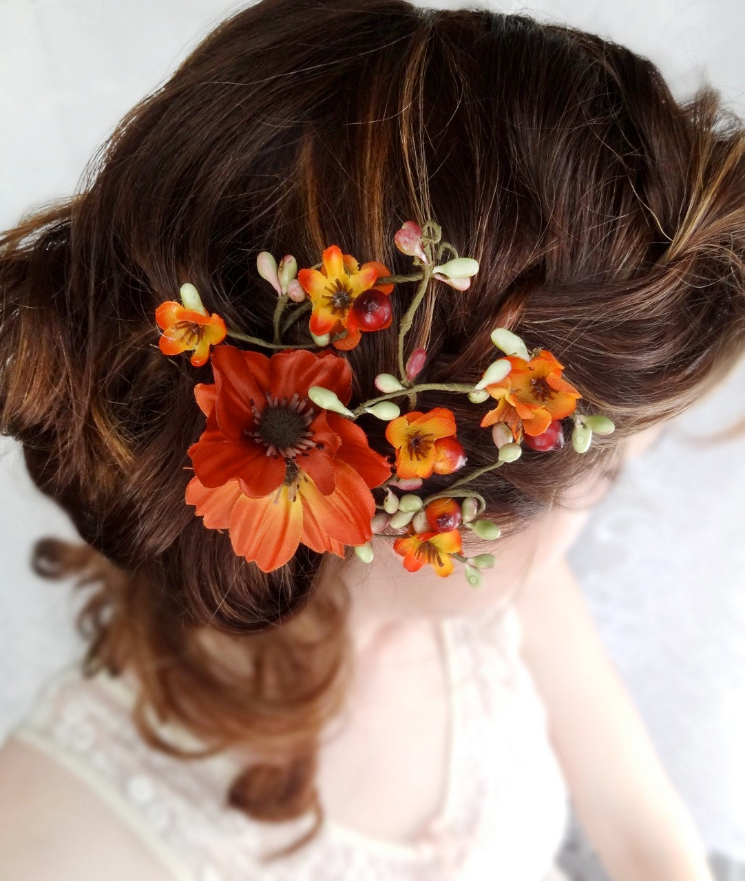 Flowers in hair for fall wedding? — The Knot