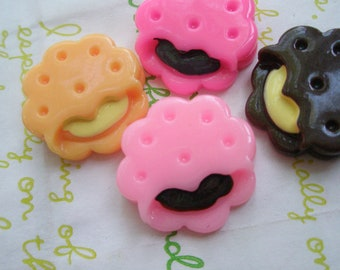 Creamsand cookie biscuit cabochons 4pcs