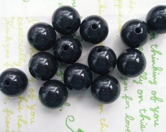 Black Bubblegum Plastic Beads 8pcs Size 16mm