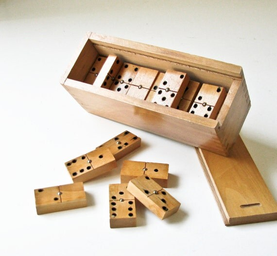 Wood Dominoes in a Wood Box - Spinners