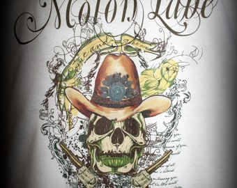 """Skull & Pistols """"Molon Labe"""" Original Designer TShirt"""