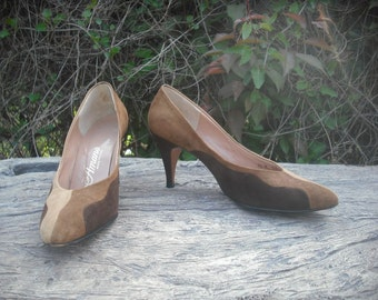 1980s Suede Pumps by Amano  Two Tone Leather Pumps   size 6.5 N