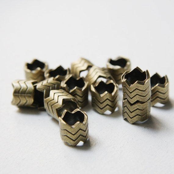 14pcs Antique Brass Tone Base Metal Spacers-chevron zig zag 10x12mm with hole size 9mm (4046X-G-248)