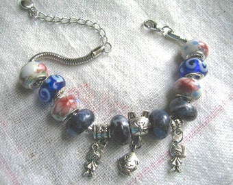 Prince Charming No. 5 ... #267 ... a bracelet with large holed beads