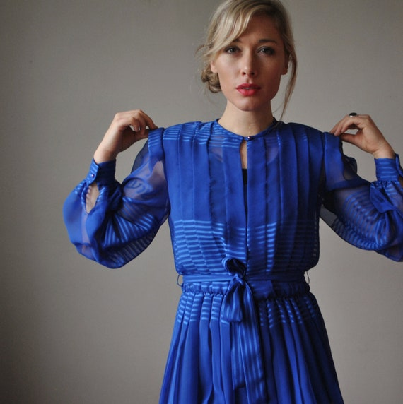 1970s Cobalt Blue Striped dress, size Extra small to small