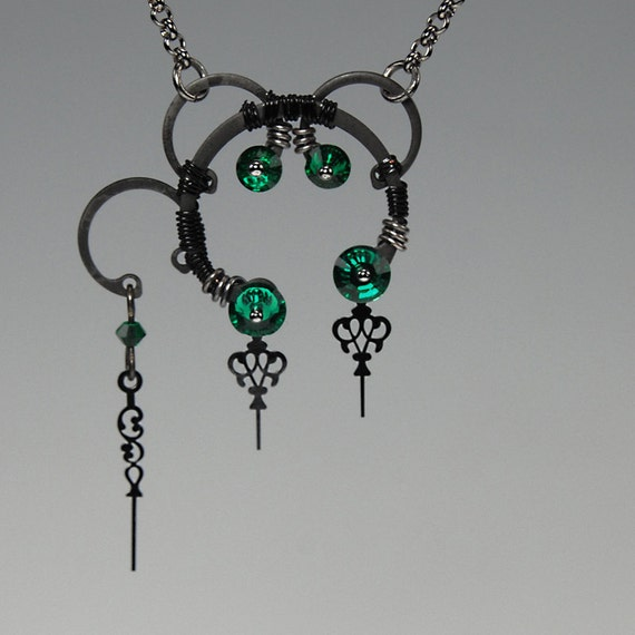 BOGO SALE... Eirene v9: Emerald Swarovski crystal steampunk necklace