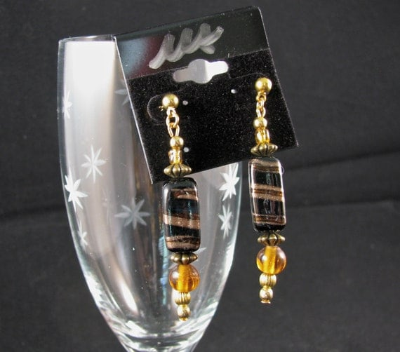 80% OFF Black and gold stone with amber accents gold tone post earrings