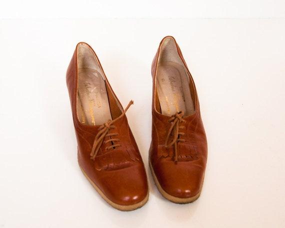 Vintage Salvatore Ferragamo Kilty Oxford Heels Size 7.5