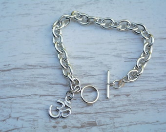 Stylish Yoga Bracelet with OM Charm, Sterling Silver, Oval Links