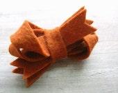 Felt Twist Bow Hair Clip Autumn Spice Nutmeg by OrdinaryMommy on Etsy