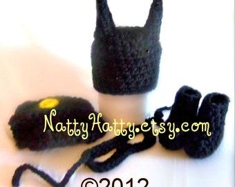 Batman hat diapercover and boots, crochet batman hat, batman newborn costume, baby halloween ,costume batman , costume halloween batman