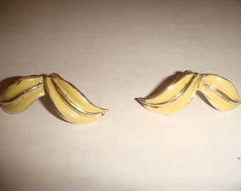 Vintage Coro Yellow and gold clip on earrings