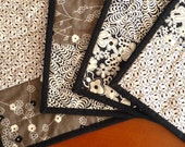 Reversible Place Mats in Taupe and Black